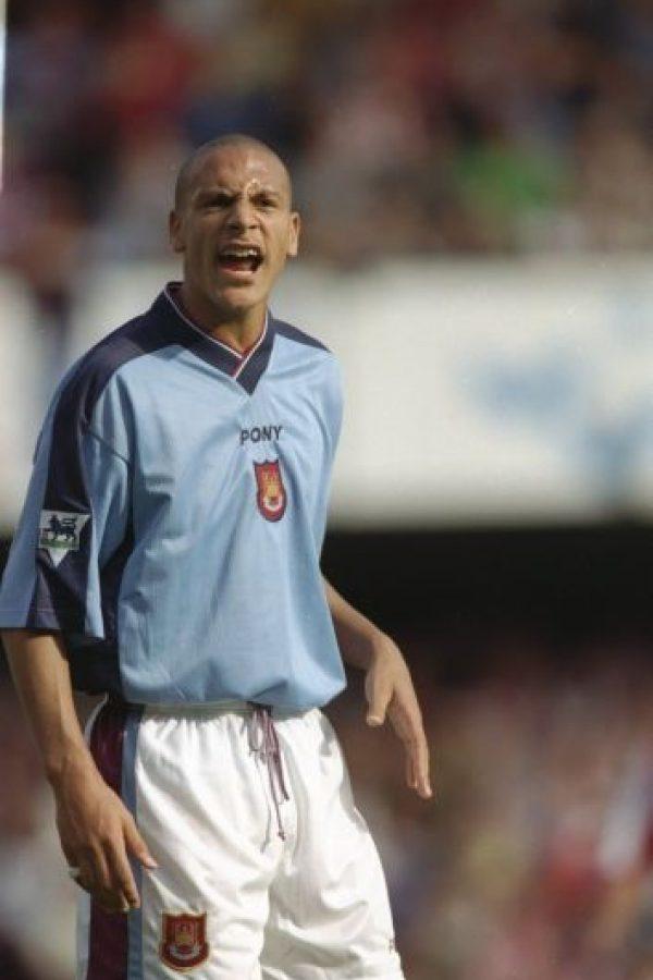 """""""Ferdy"""", que se desempeña como defensa, surgió de la cantera del West Ham, pero su primer equipo como profesional fue el AFC Bournemouth, club con el que jugó en calidad de cedido en 1996. Foto:Getty Images"""
