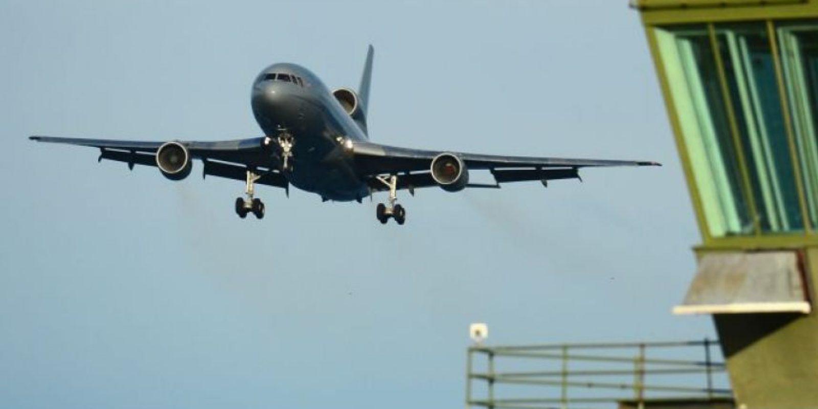 4. Se enojó porque le desearon Feliz Navidad y lo bajaron del avión. Foto:vía Getty Images