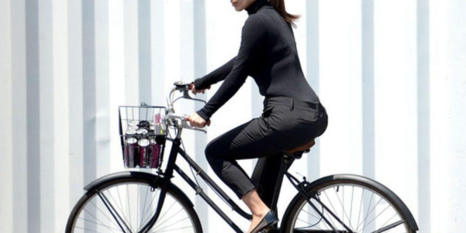 Y aunque Kim usa modelos de Balmain y otros, no es como Hepburn, que sí era una musa verdadera de modistos como Hubert de Givenchy. Foto:vía Getty Images