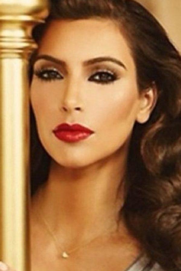 Se tomó esta foto, tratando de emularla. Foto:vía Instagram/Kim Kardashian