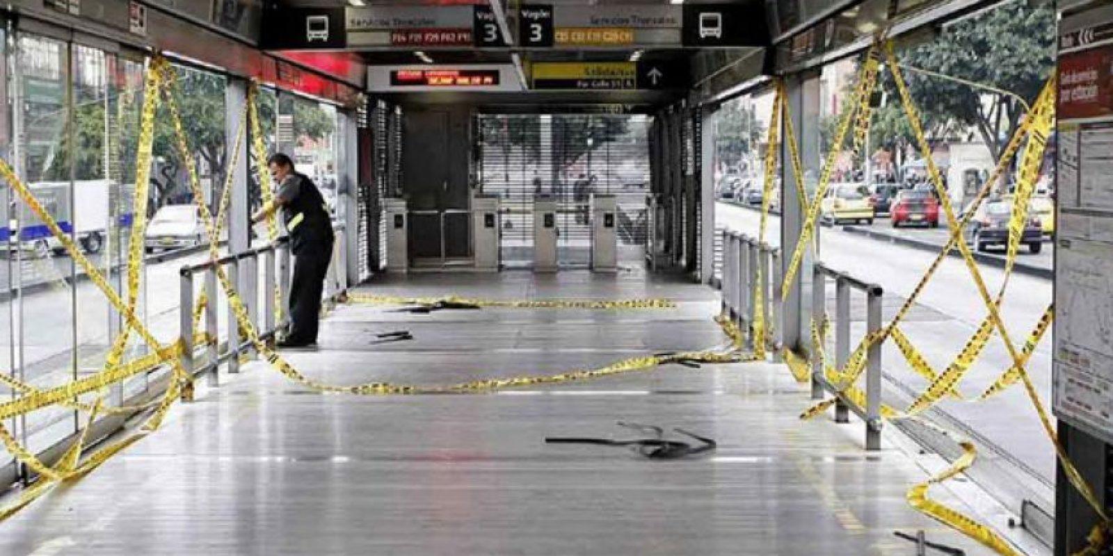 La estación quedó destruida luego de una marcha en Bogotá.