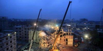 El colapso del edificio en Savar se produjo el 24 de abril de 2013 cuando un bloque de ocho pisos se derrumbó en Savar, un distrito de Daca, capital de Bangladesh. Foto:AFP