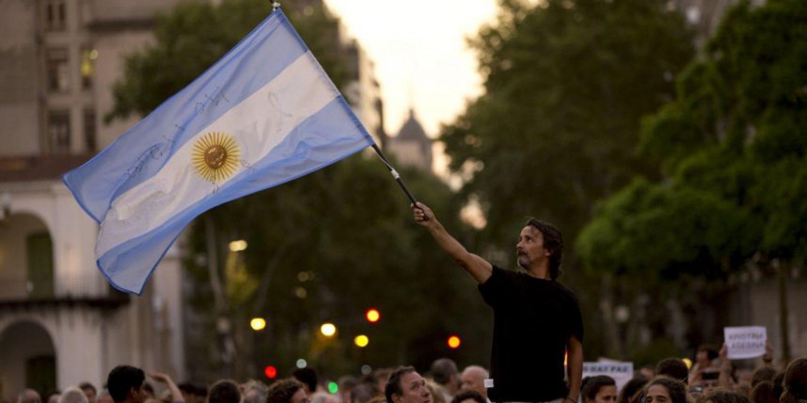 """13. """"Hoy como están las cosas, así apareciera un video de Nisman matándose, la gente creería que el video está armado. Todos están completamente convencidos de que lo mataron"""", dijo Lanata Foto:AP"""