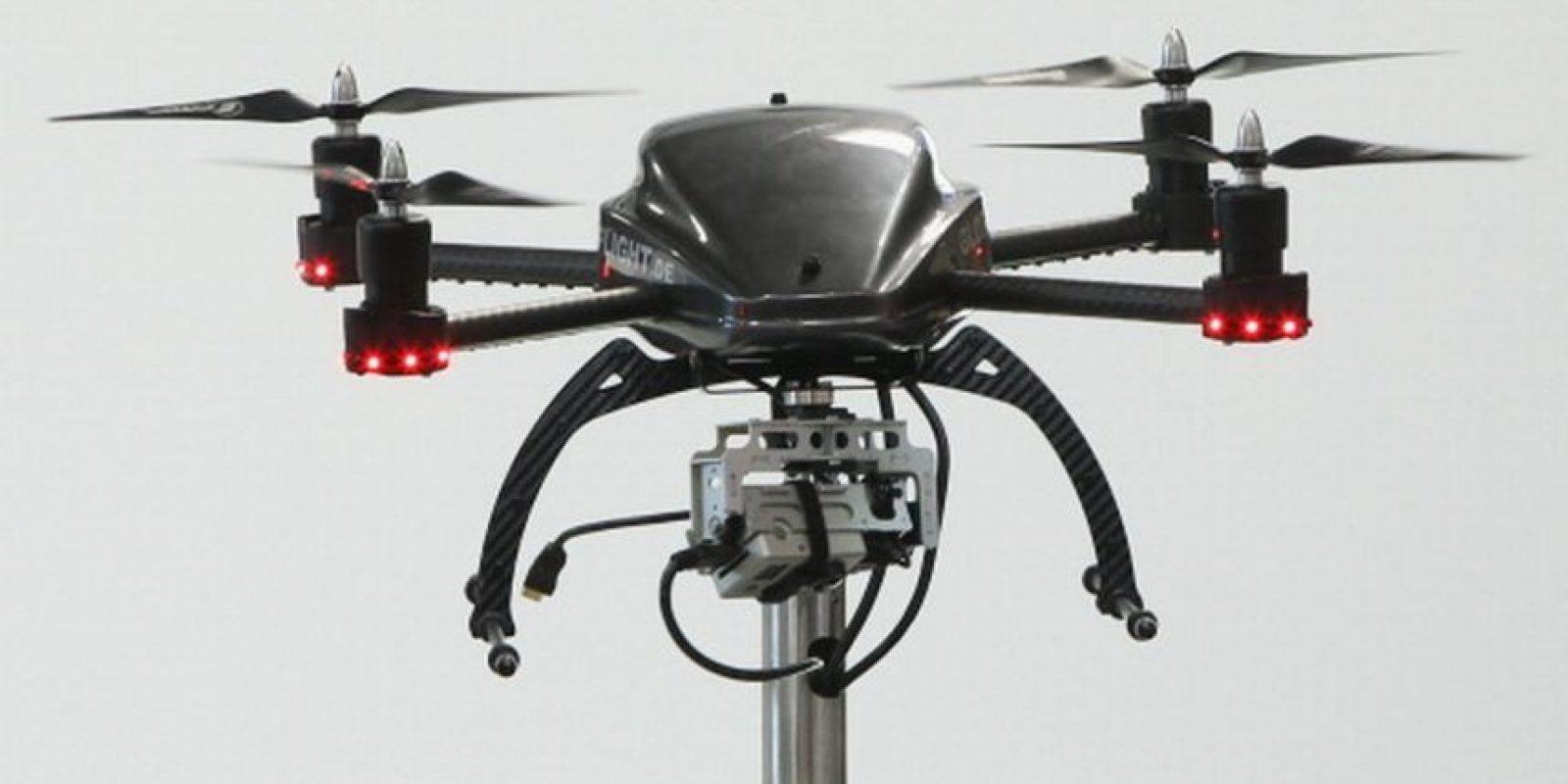 Según su funcionamiento, el drone roba la información de los teléfonos móviles a partir de datos de localización y ha sido probado en los cielos de Londres, Inglaterra. Foto:Getty Images