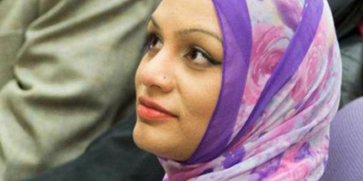 Mujer asegura que esta aerolínea la discriminó por ser musulmana