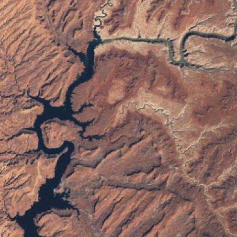 La sequía y la constante extracción de agua han secado el Lago Powell, en Arizona, según la NASA. La foto es de 1999. Foto:Vía climate.nasa.gov