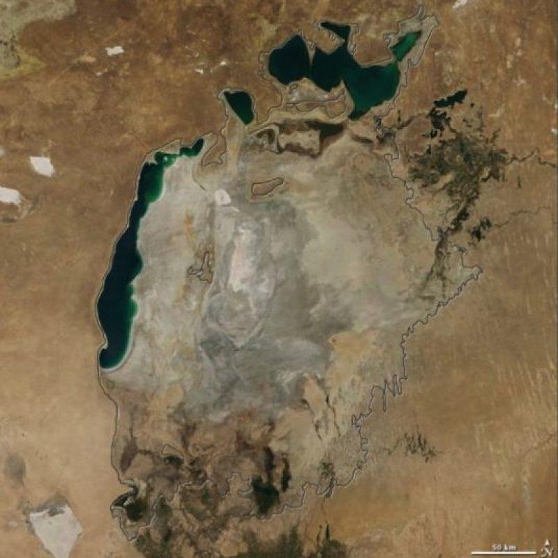 Así luce actualmente el Mar Aral (2014) Foto:Vía climate.nasa.gov