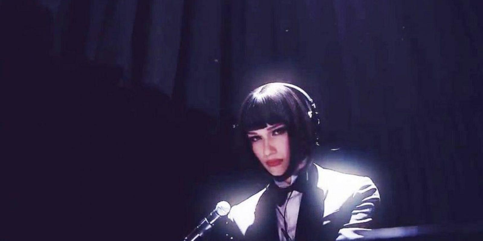 Es cantante, nació en Estados Unidos y viene de familia hondureña Foto:Vía facebook.com/NomiRuizFans