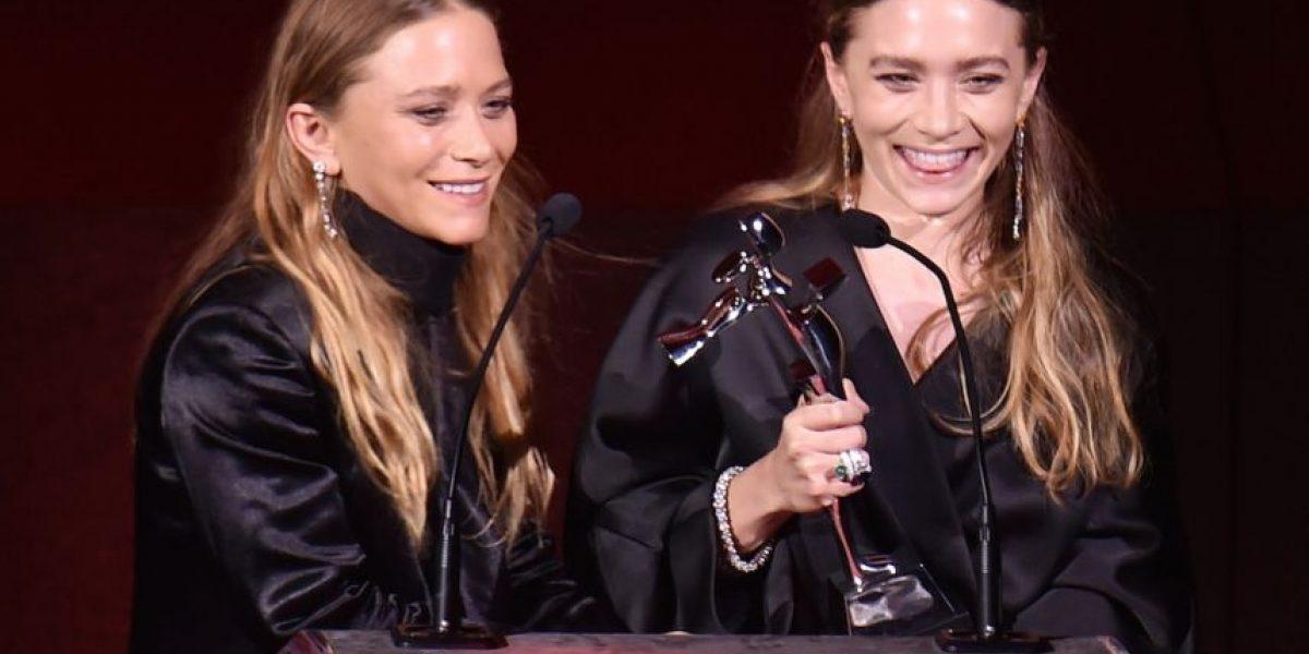 Esta foto de las gemelas Olsen podría ser la más extraña que hayan visto
