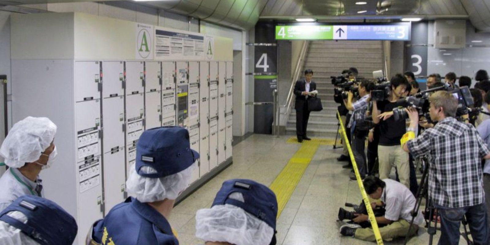 Un trabajador de la estación de Tokio encontró un cadáver dentro de una maleta. Foto:AP