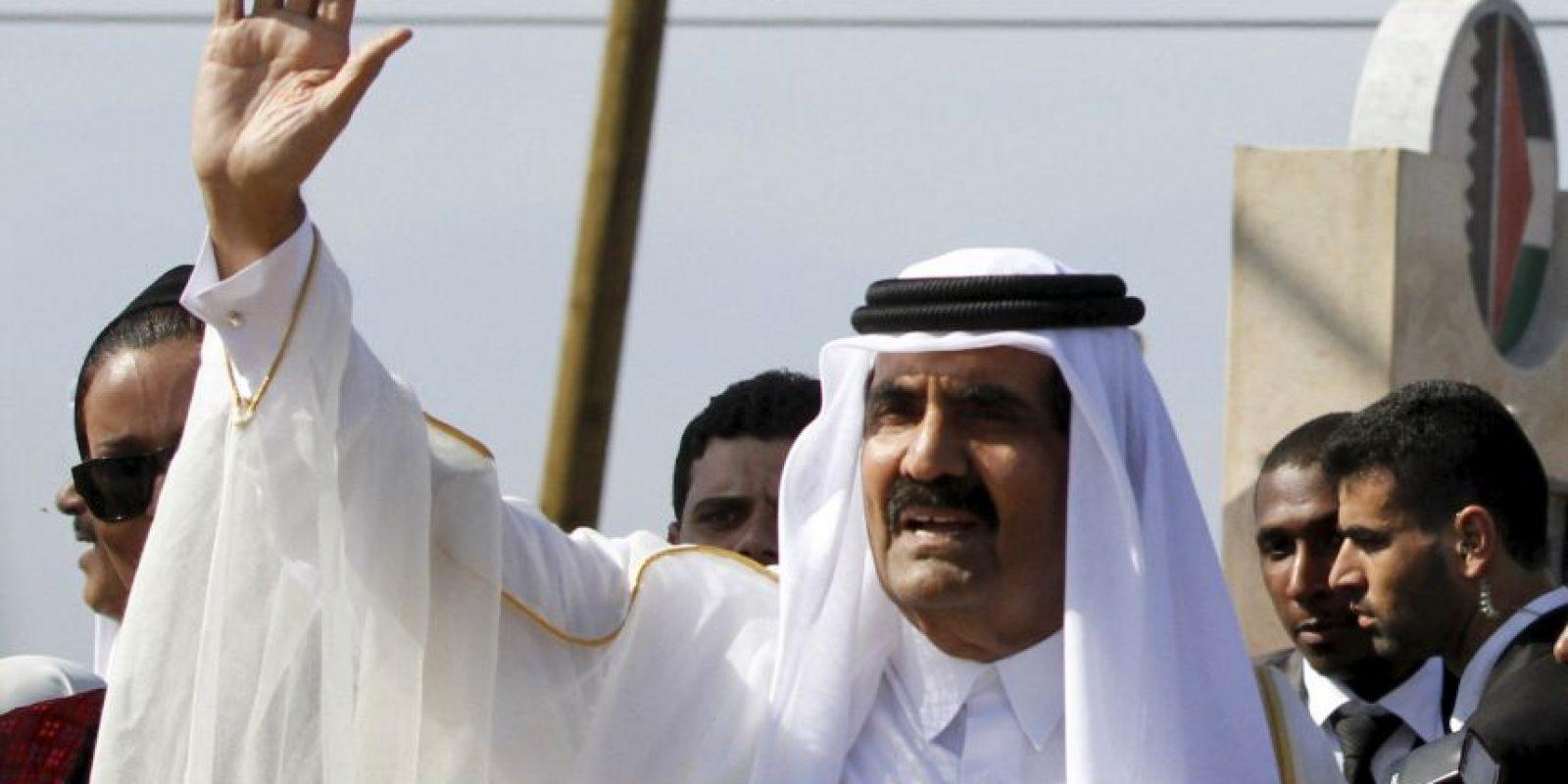Su fortuna se estima en 2 mil 400 millones de dólares. Es conocido por fundar la primera televisora árabe a nivel mundial: Al Jazeera. Foto:Getty Images