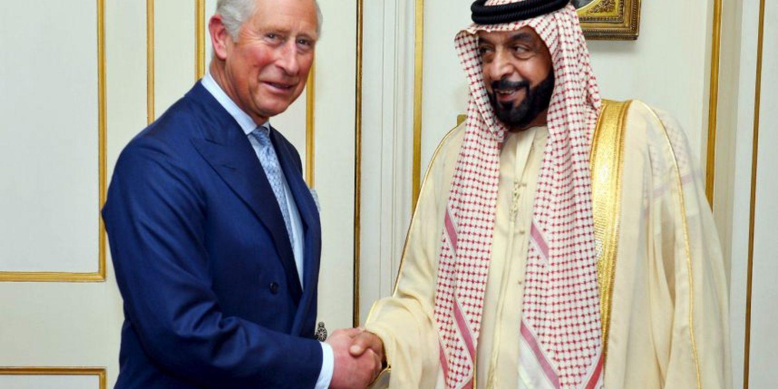 Su fortuna se valuó en 15 mil millones de dólares durante el año 2011, todo esto proveniente de la empresa Abu Dhabi Investment Authority, la cual se encarga de manejar los excedentes de las reservas petroleras de los Emiratos Árabes Unidos. Foto:Getty Images