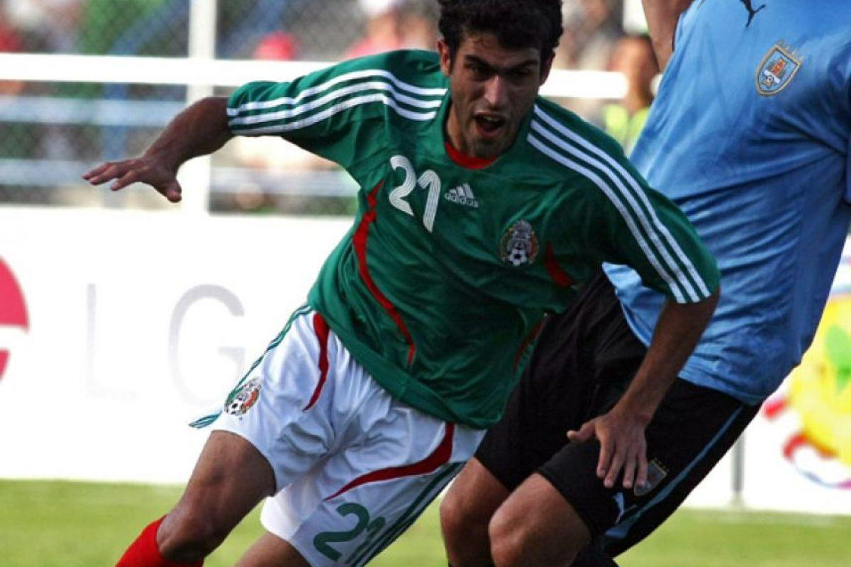 En Venezuela, México compartió grupo con Brasil, Chile y Ecuador y clasificó en primer lugar con 7 unidades. En cuartos de final goleó 6-0 a Paraguay, pero Argentina los eliminó en semifinales. Se quedaron con el tercer lugar tras derrotar a Uruguay 3-1. Foto:AFP
