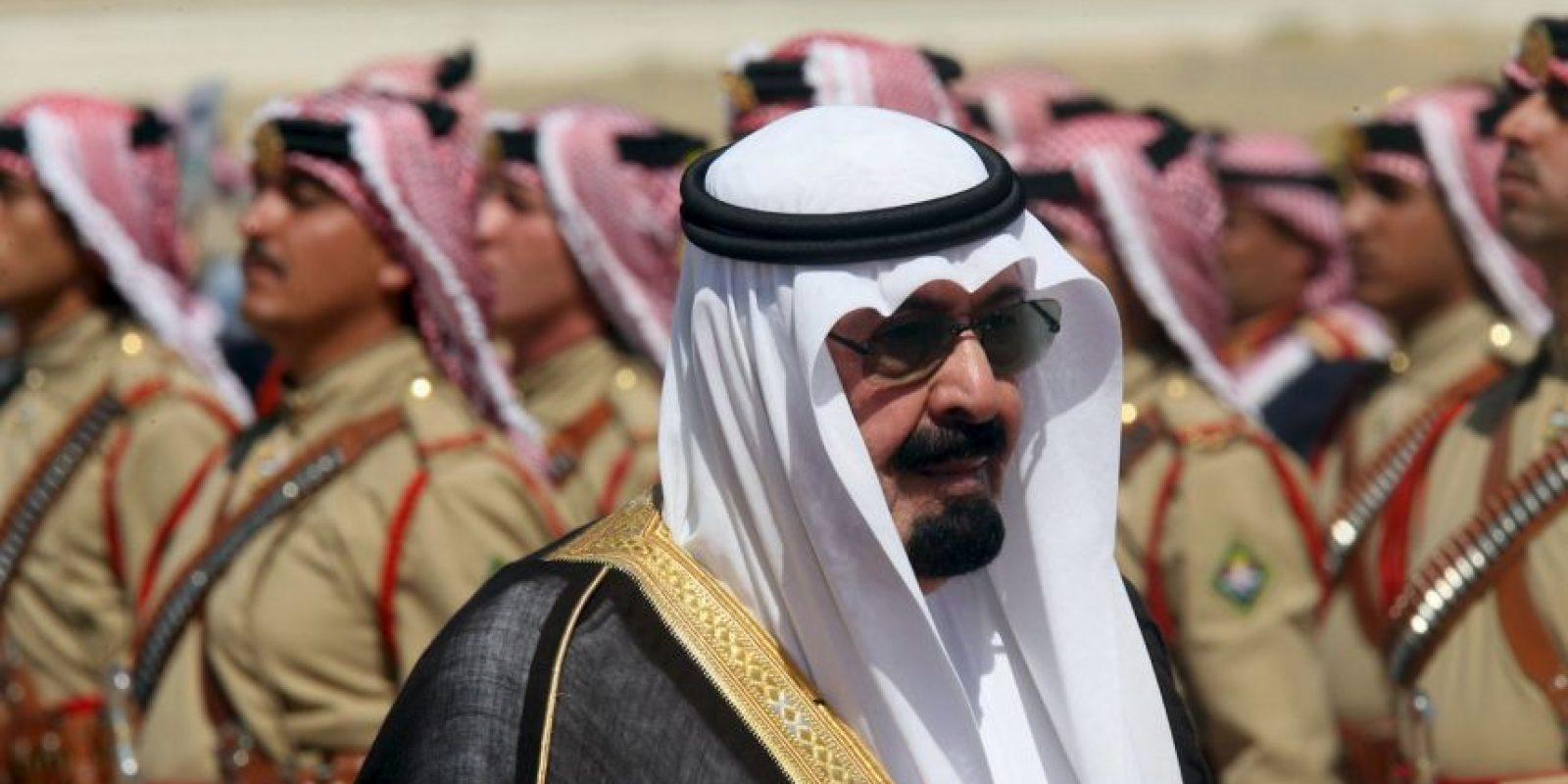 El rey Abdullah falleció en enero de 2015 siendo el tercer monarca más rico del planeta. De acuerdo a Forbes, el rey murió con cerca de 18 mil millones de dólares en su poder. Foto:Getty Images