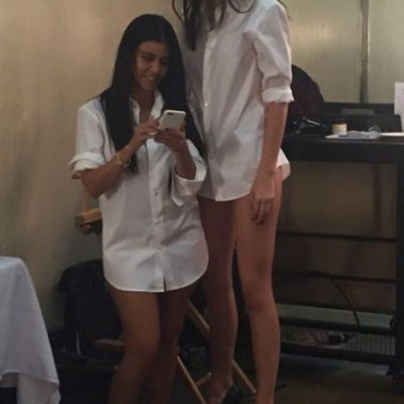 La hermanita de Kim Kardashian mide 1.83 metros Foto:vía instagram.com/kimkardashian