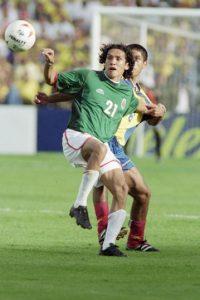 """México, Brasil, Perú y Paraguay compartieron grupo en esta edición. De nuevo, el """"Tri"""" clasificó como segundo lugar de grupo y se topó en cuartos con Chile, a quien venció 2-0, eliminó en semifinales a Uruguay por marcador 2-1, pero sucumbió ante Colombia en la final. Foto:Getty Images"""