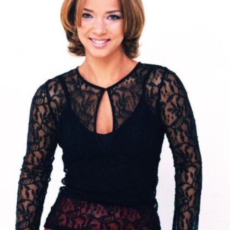 """Adamari López era """"Ofelia Villada"""", amiga de """"Laura"""" y perteneciente a su clase social. Foto:vía Canal de las Estrellas"""