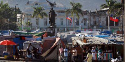 La Asamblea Nacional y la Catedral de Puerto Príncipe Foto:Getty Images