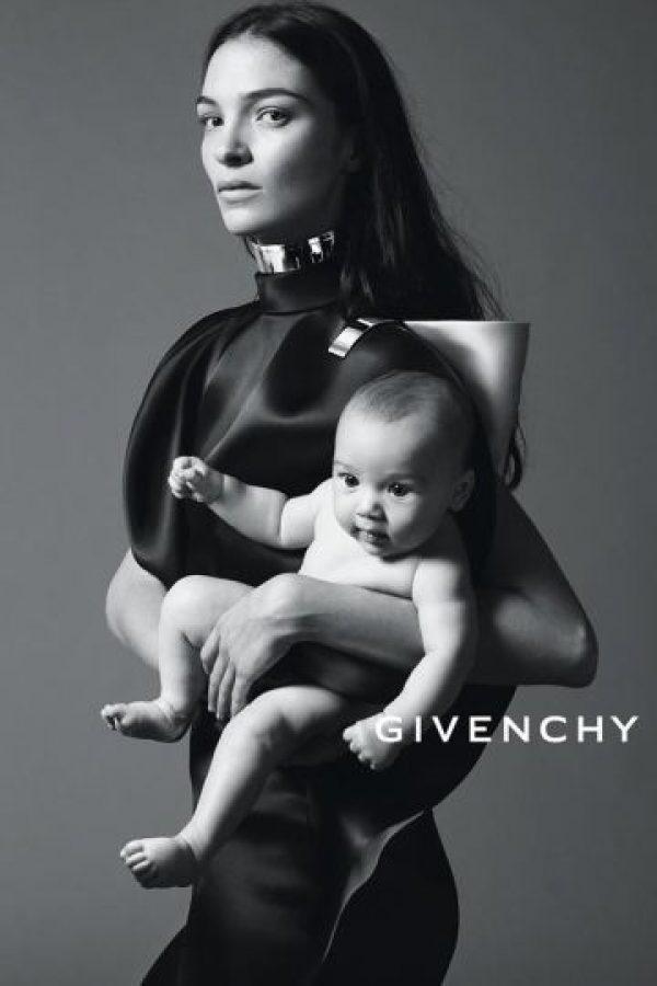 """Mariacarla Boscono: fue descubierta a los 20 años por Piazzi Piero, el mismo que """"halló"""", a Naomi Campbell. Ha estado en grandes casas de moda como Chanel, Marc Jacobs, Dior, DKNY o Jean Paul Gaultier, entre otras. Es italoespañola. Foto:vía Vogue"""