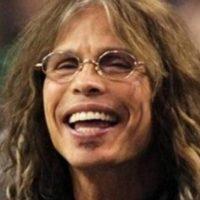"Así, como Steven Tyler, vocalista de ""Aerosmith"". Foto:vía Getty Images"