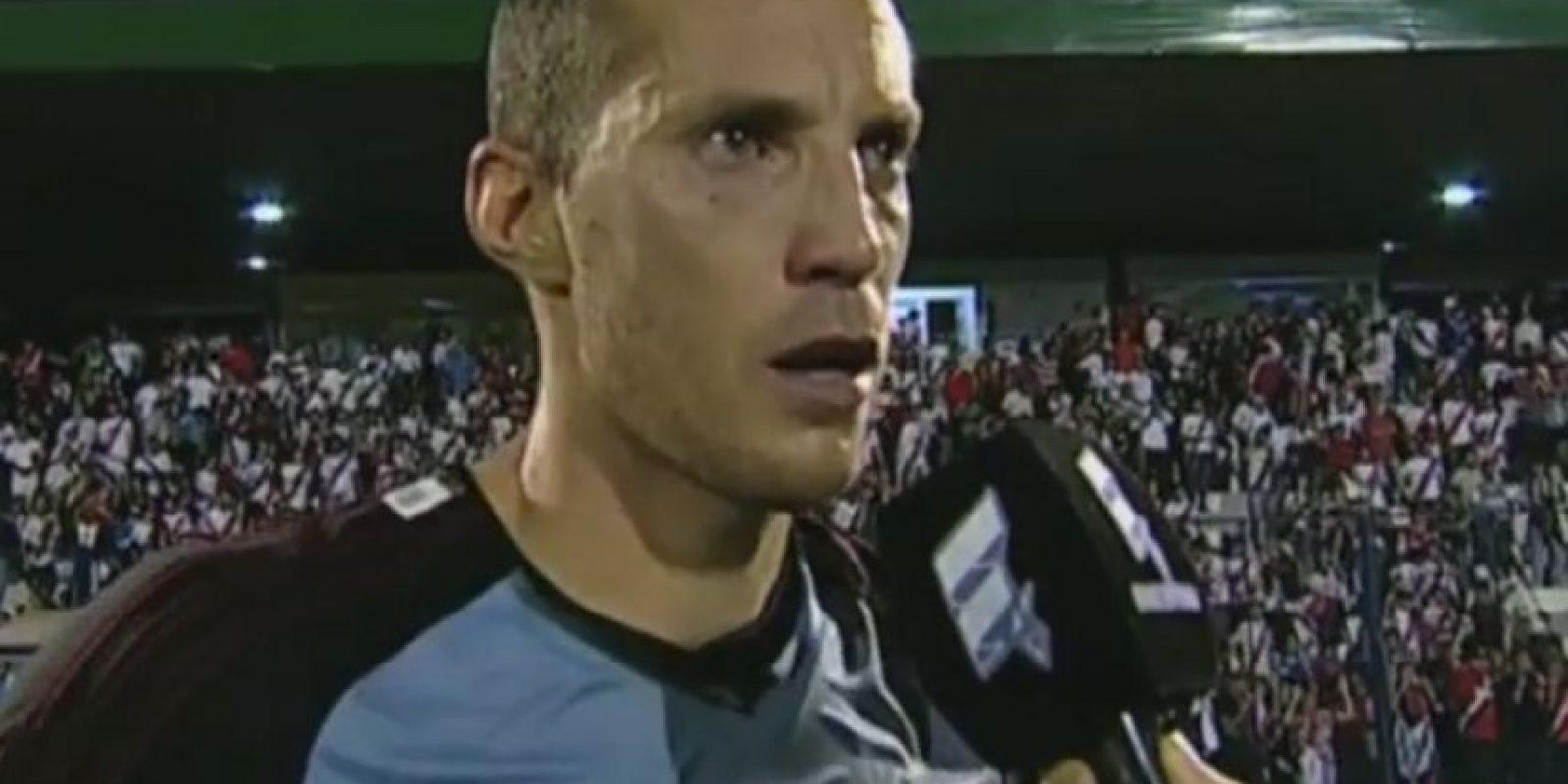 Sobre todo para Andrés Podlesh, defensa de 30 años del Liniers, quien es un ferviente hincha del River Plate. Foto:Youtube Fútbol Para Todos