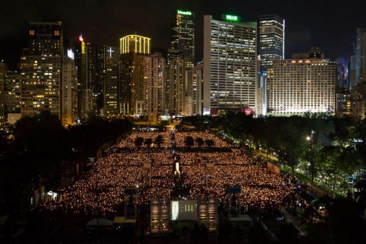 En Hong Kong se organizó una velada para recordar la masacre el 4 de junio, 26 años después. Foto:AFP