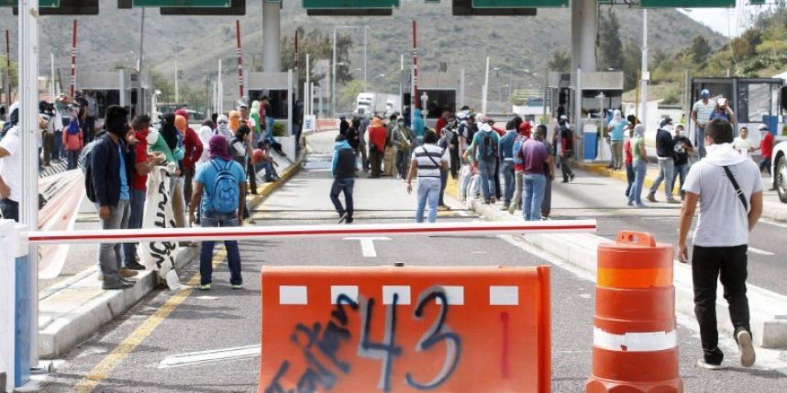 Entre las principales protestas se encuentra el caso de los jóvenes estudiantes desaparecidos en Iguala, Guerrero Foto:AFP