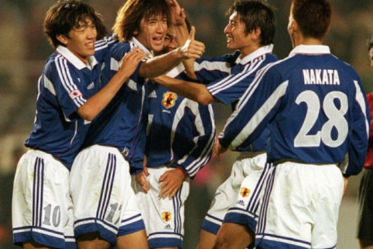 """Para sorpresa de todos, Conmebol invitó a este torneo al ya """"invitado permanente"""", México; pero el segundo en recibir la cortesía de la confederación sudamericana fue Japón. Sí, un equipo no americano disputó la Copa América 1999. Foto:Getty Images"""