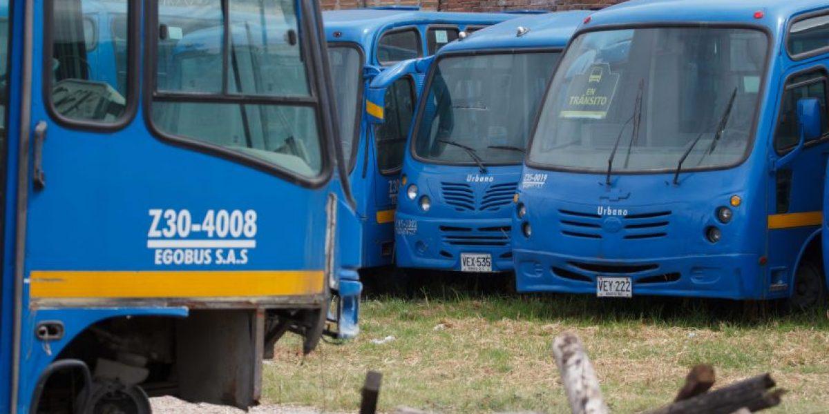 Docenas de buses del SITP se pudren en parqueadero de Kennedy