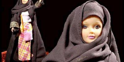 """""""Fulla"""" es la Barbie musulmana. Se creó en 2003. Viene en formato tradicional y con hijab menos ortodoxo para países liberales Foto:Fulla.com"""