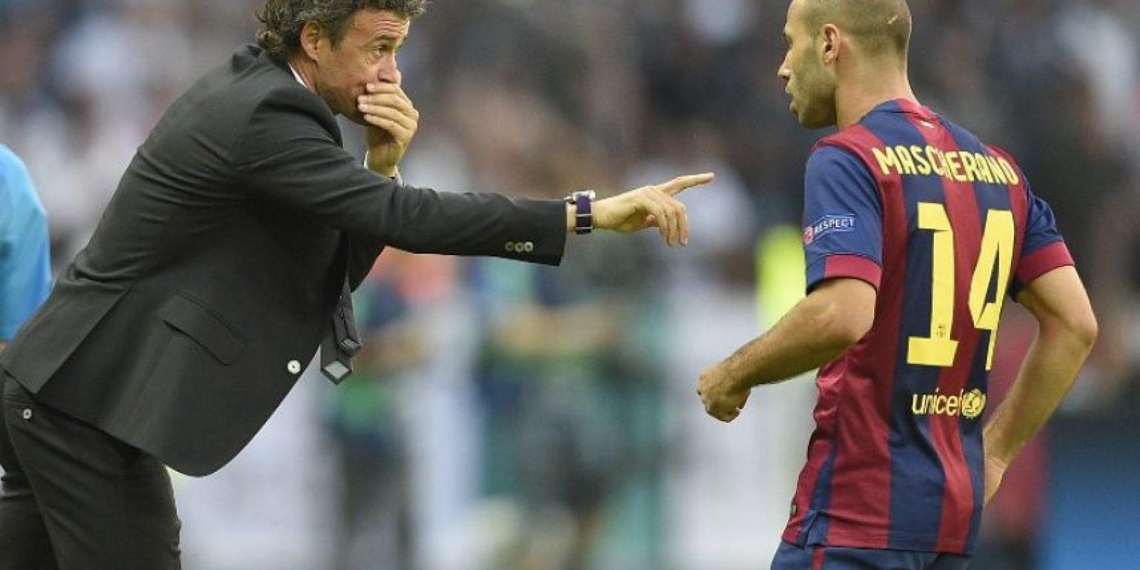 Javier Mascherano. Comenzó el duelo titubeante, pero conforme pasaron los minutos se acopló. Foto:Getty Images