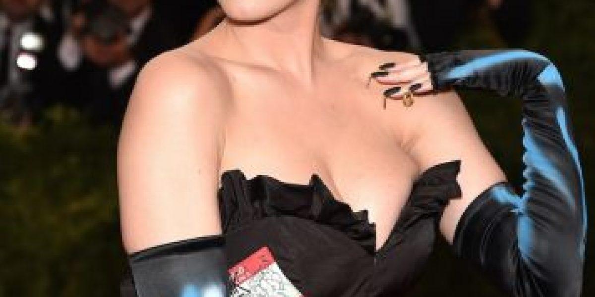 Esto es lo que piensan estas 10 famosas sobre sus pechos