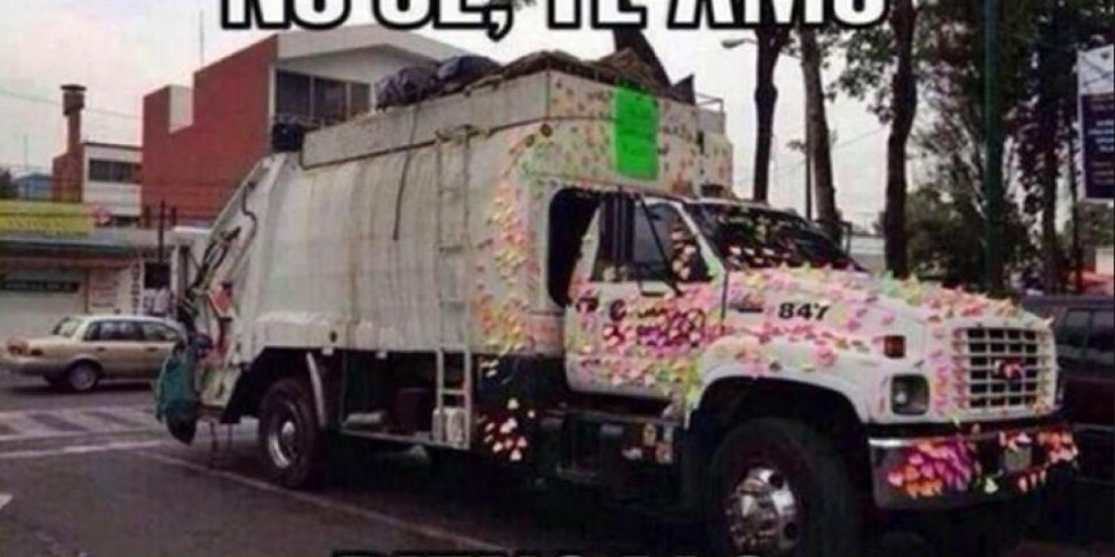 Post its en el camión de basura Foto:Tumblr.com/tagged/pareja/wtf