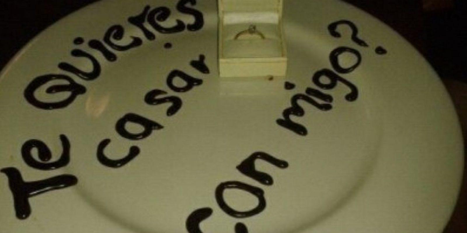 En un plato Foto:Tumblr.com/tagged/anillo/gracioso