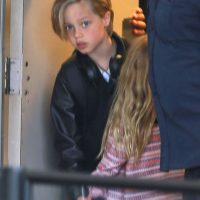 Angelina Jolie y Brad Pitt iban acompañados de todos sus hijos Foto:Grosby Group