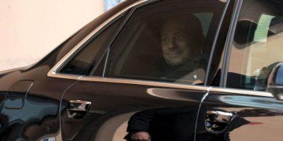 En 2009, el ahora ex presidente del Consejo de Ministros de Italia, se vio envuelto en la polémica cuando medios internacionales publicaron fotos de su fiesta de cumpleaños, en la que aparece junto a una joven de 18 años. Foto:Getty Images