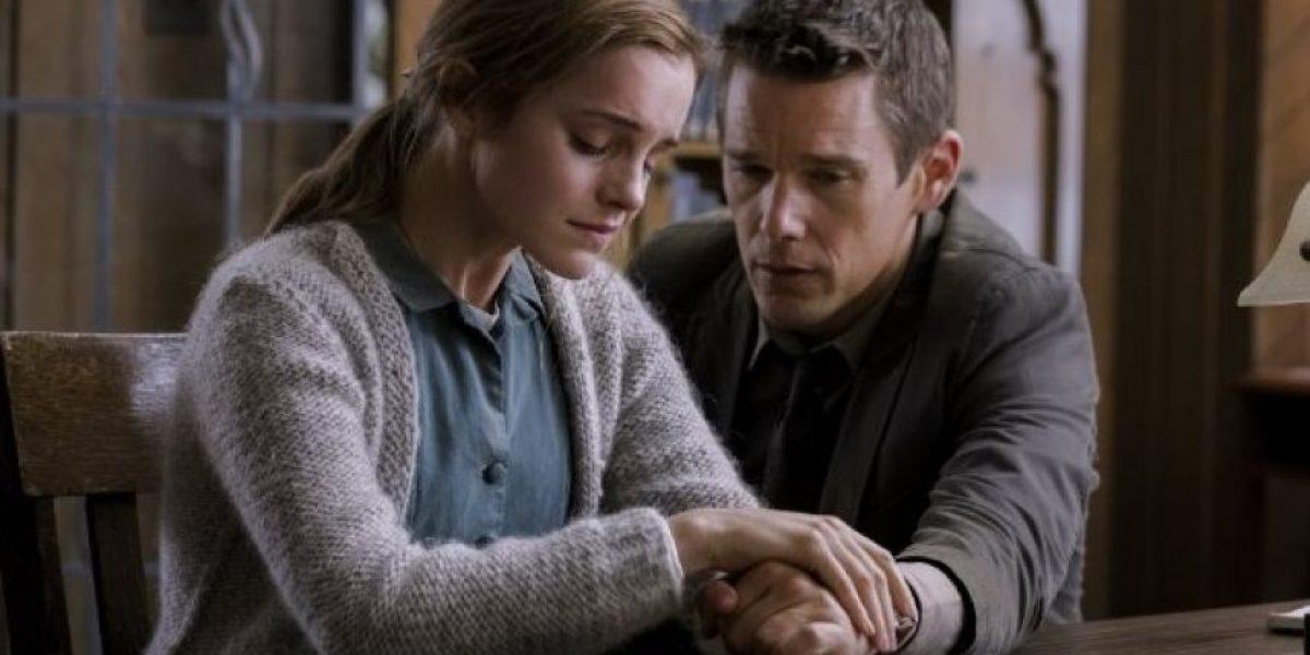VIDEO: Emma Watson estrenó el tráiler de su nueva película