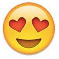 12) Cara sonriente con ojos de corazón utilizada como una expresión de amor. Foto:emojipedia.org