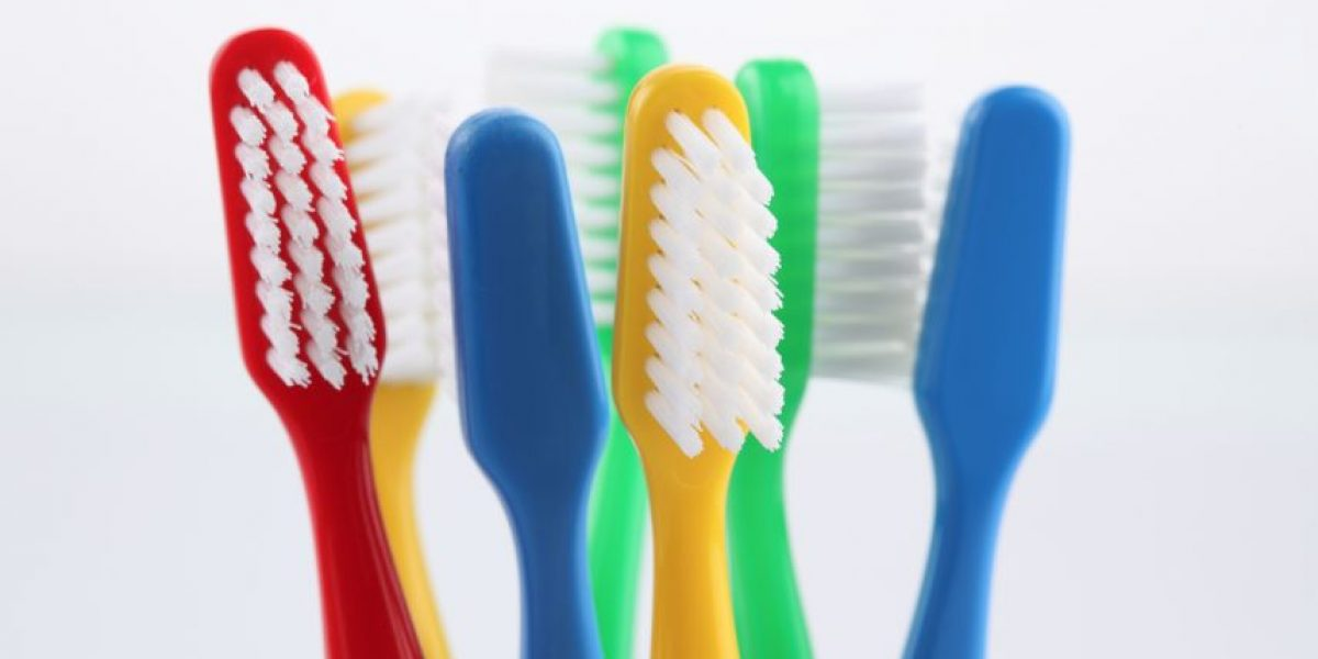 ¡Qué asco! 60% de los cepillos de dientes tiene heces fecales
