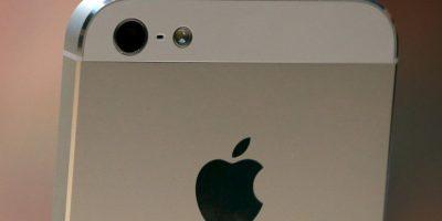 Cada año Apple mejora la cámara del iPhone y esta vez podría ser la inclusión de un flash a la cámara frontal para tomar mejores selfie Foto:Getty Images