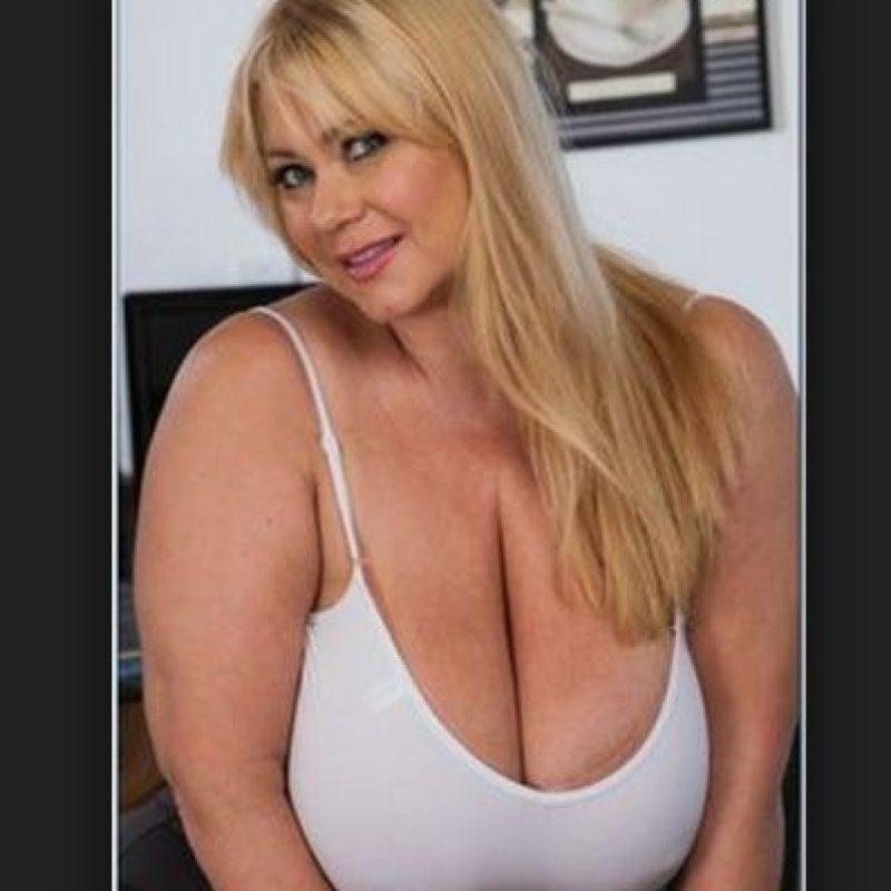 """Samantha 38G, actriz porno, afirmó que solo quiere que adultos vean sus """"cosas"""" y en Snap chat no es seguro saber quién está del otro lado. Foto:Naughty America"""
