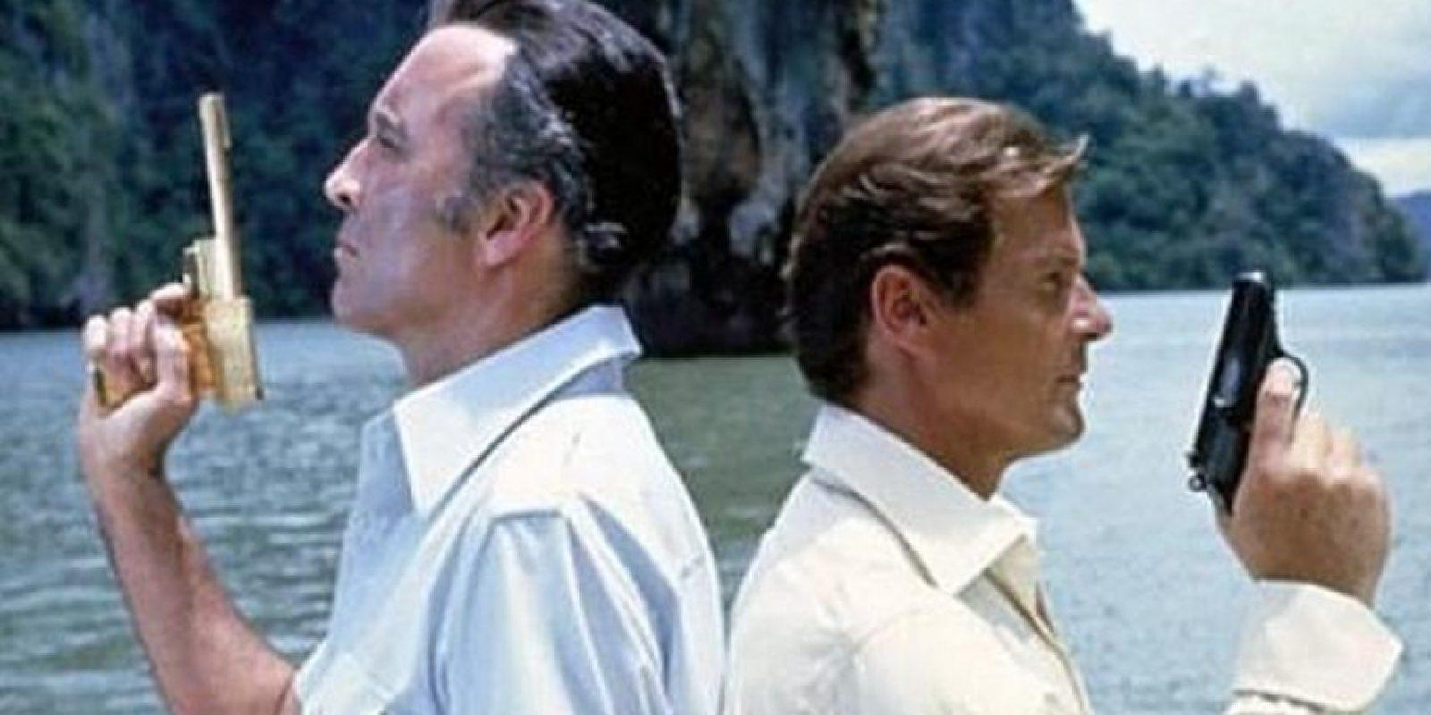 """Participó en la saga de """"James Bond"""" como """"Francisco Scaramanga"""", uno de los grandes rivales del agente 007. Foto:Vía imdb.com"""
