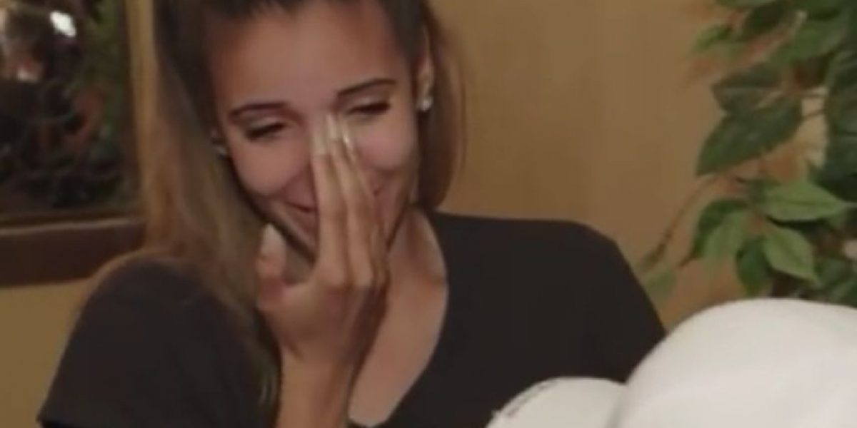 VIDEOS: Padre enfermo da la mejor sorpresa de bodas a su hija
