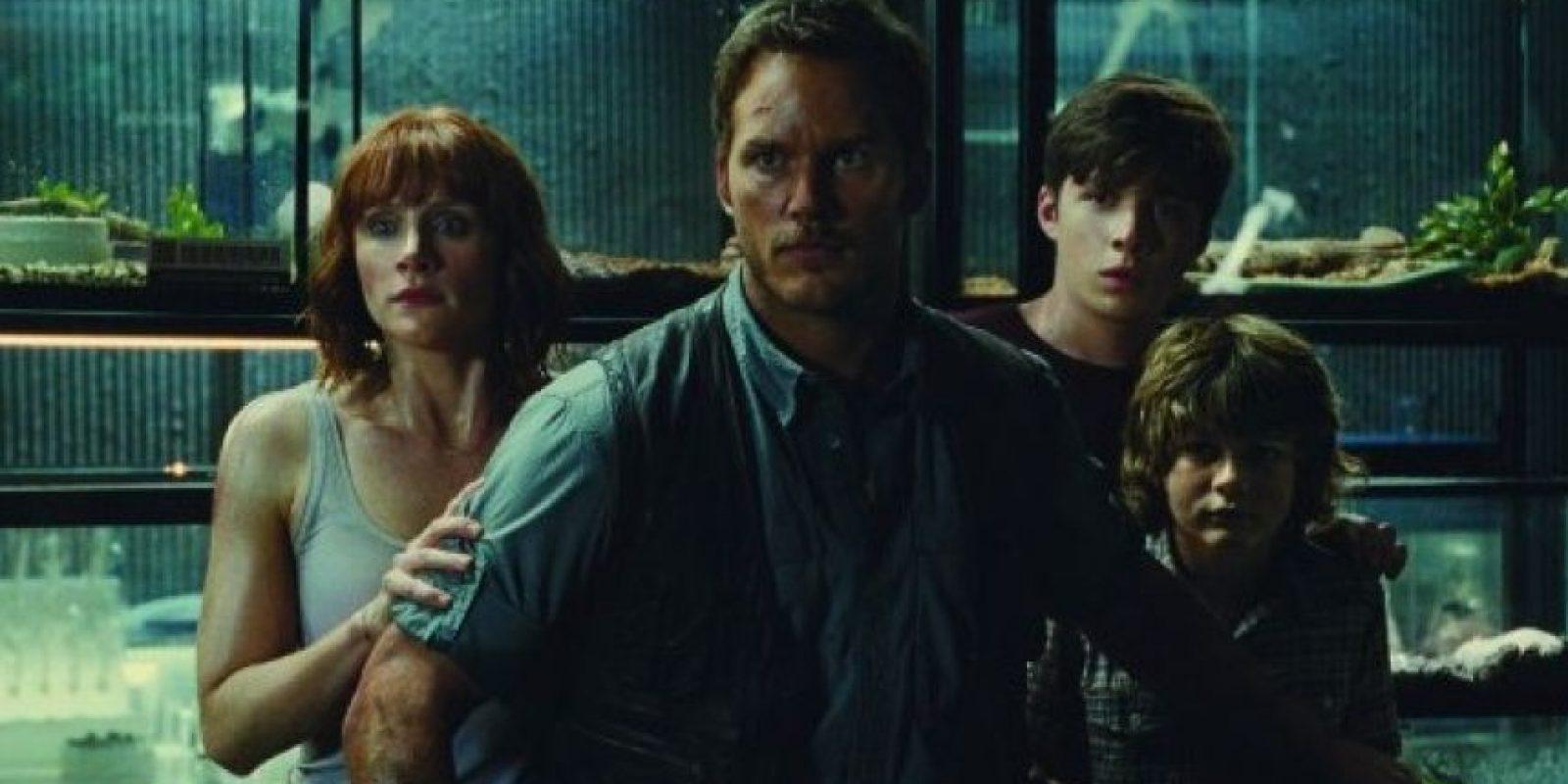 "Chris Pratt interpreta a ""Owen Grady"", un cuidador e investigador de velociraptores Foto:via facebook.com/visitjurassicworld"