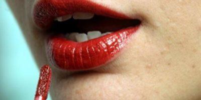 2. Para marcar unos labios perfectos se debe marcar una equis Foto:Tumblr.com/Tagged/belleza