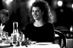 """Nia Vardalos interpretó a la novia, """"Toula Portokalos"""", una mujer griega de mediana edad que busca al que será su marido. Foto:IMDB"""