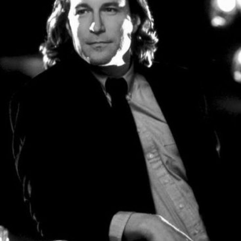 """John Corbett interpretó a """"Ian Miller"""", un hombre que se enamora de """"Toula"""" y posteriomente le pide matrimonio, aceptando cambiar su religión y modo de vivir. Foto:IMDB"""