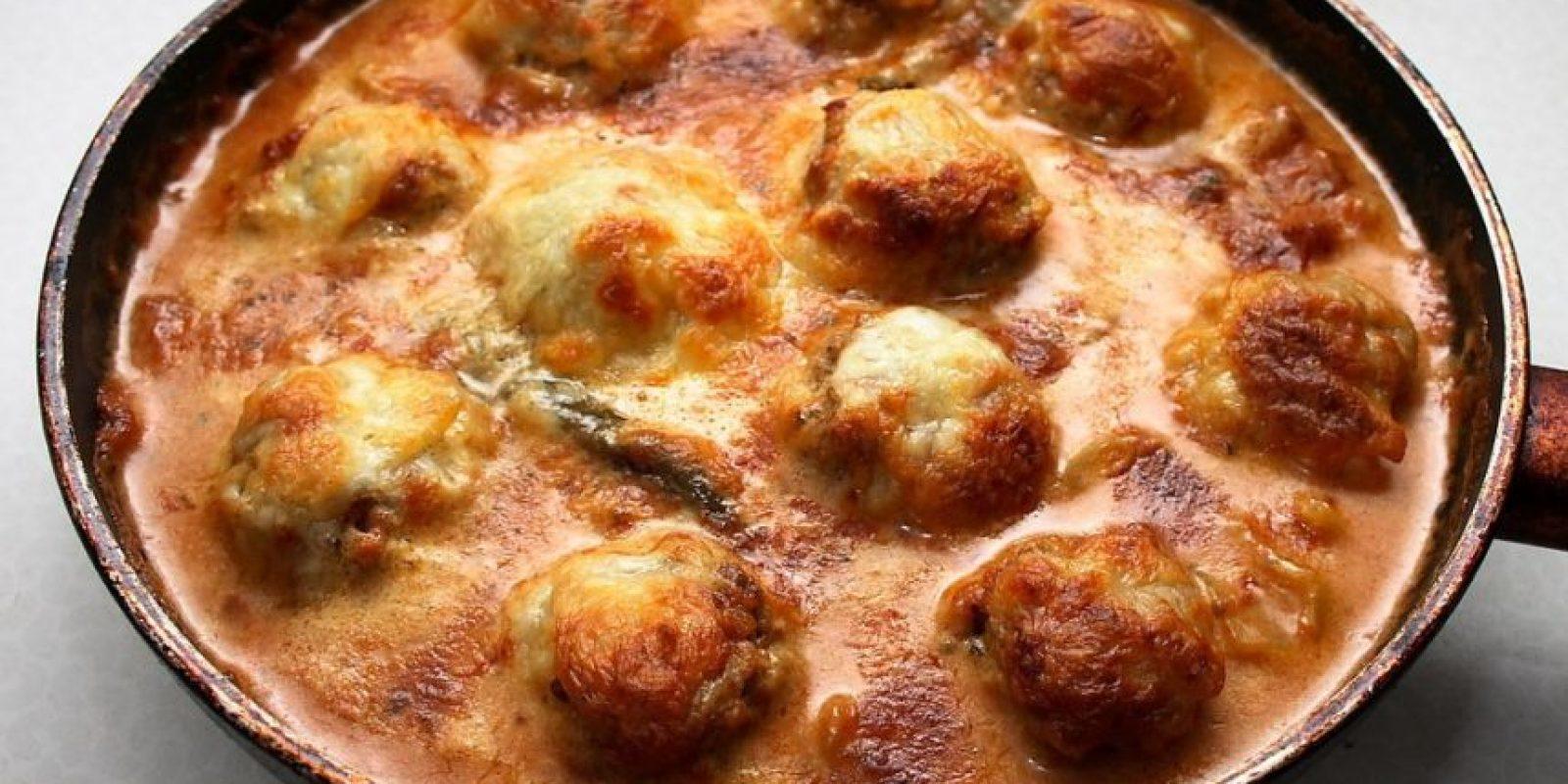 Albóndigas jugosas con queso crujiente al comienzo. Foto:Via Flickr/ dos82