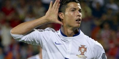 Aunque ellos lo niegan, existe una gran rivalidad deportiva entre Cristiano Ronaldo y Lionel Messi. Foto:AFP