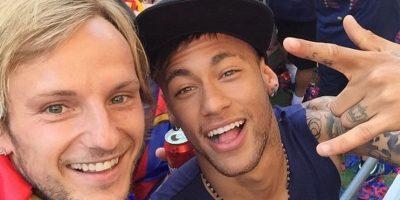 Sonriendo con Neymar. Foto:instagram.com/ivanrakitic
